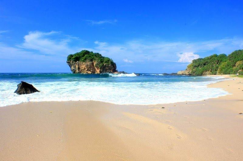 pantai jungwok Gunungkidul