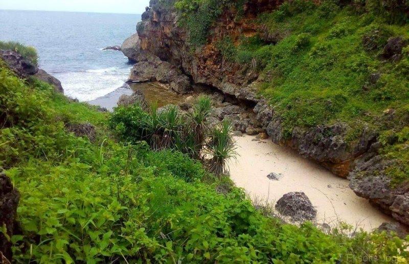 pantai mbirit gunung kidul